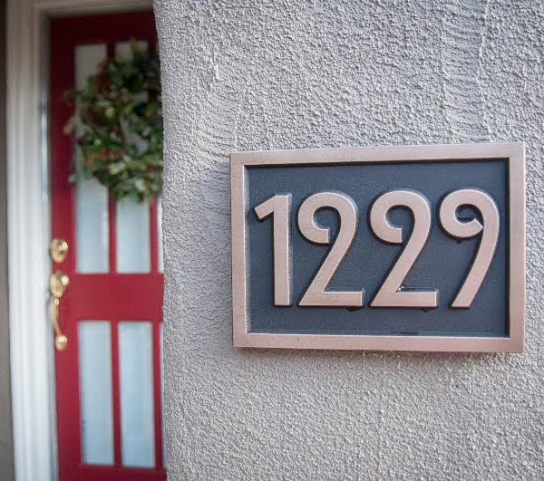 Hi, We love our new address sign! Thanks for the beautiful work. Graham 12/2015