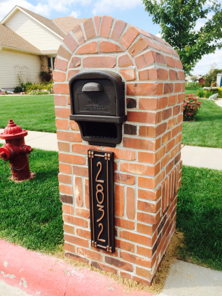 This is our new mailbox with the beautiful address sign! Thanks for the photo Vic & Denise