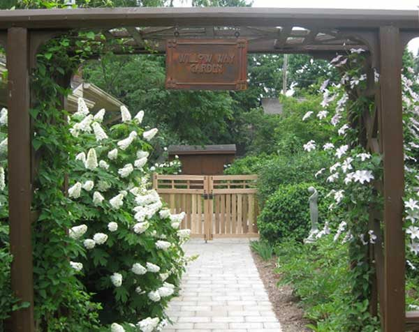 I would love walking through that garden. Thanks for sharing with us Sheila